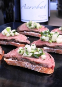 Catering crostini at portland fundraiser dinner by Voila Catering