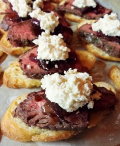 Holiday Beef Crostini
